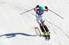 """贵州六盘水:举办全国性滑雪比赛 打好""""高山滑雪度假""""牌"""
